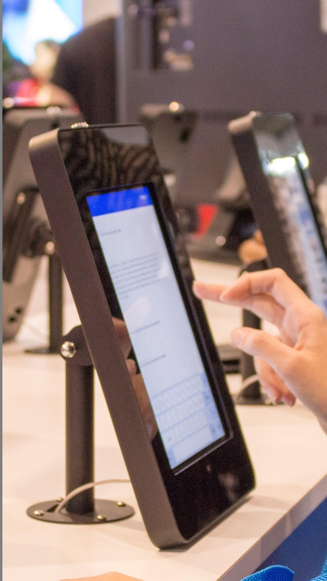 iPad air on Desktop Enclosure
